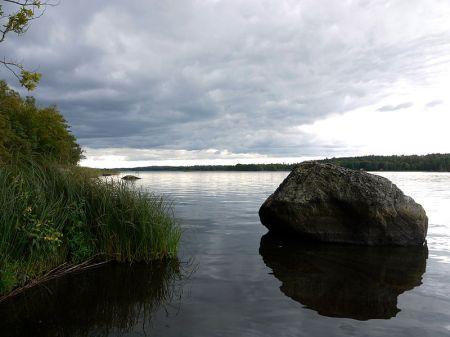 800px-Lake_Åsnen