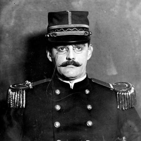 Alfred-Dreyfus-1910-600x600