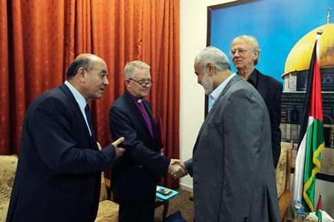 Hamas utmanar styrande al fatah i palestinskt lokalval