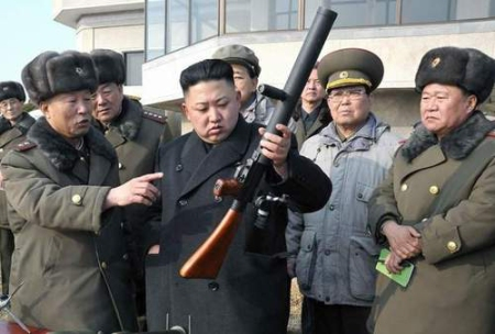 kim_jong_un_looking_at_things_1