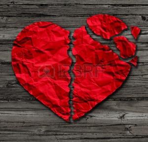 33957147-brustet-hjärta-uppbrott-koncept-som-en-separation-och-skilsmässa-ikonen-som-rött-skrynkliga-pappe