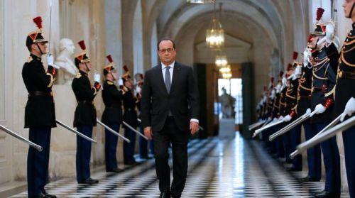 le-president-francois-hollande-se-dirige-vers-le-parlement-reuni-a-versailles-le-16-novembre-2015_5464436