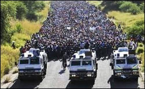 flyktingar_asylsokande_sverige_mangder_
