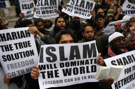 islam-demo1