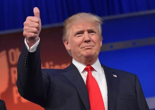 483208412-real-estate-tycoon-donald-trump-flashes-the-thumbs-up_jpg_CROP_promo-xlarge2